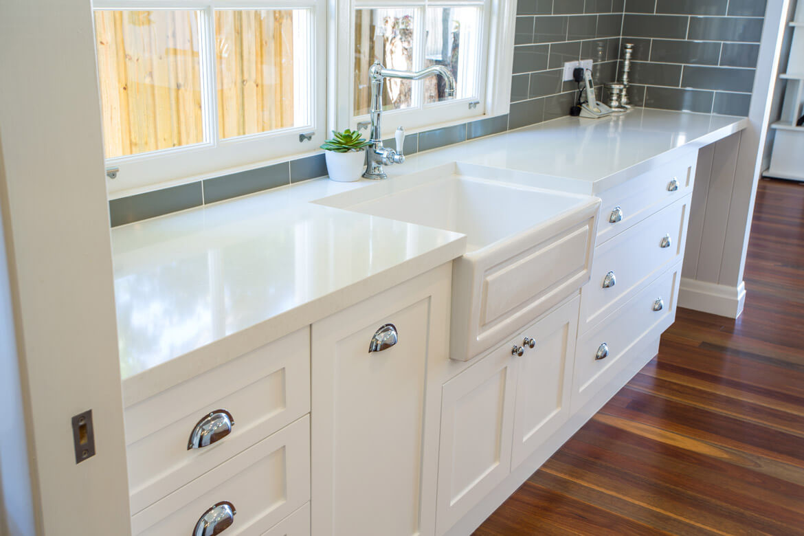 Farmhouse butler's sink in kitchen.